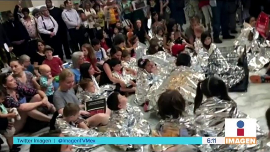 Capitalinos protestan por separación de familias en EUA