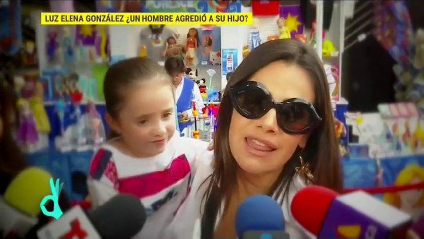 ¡Luz Elena González defiende a su hijo de agresión!