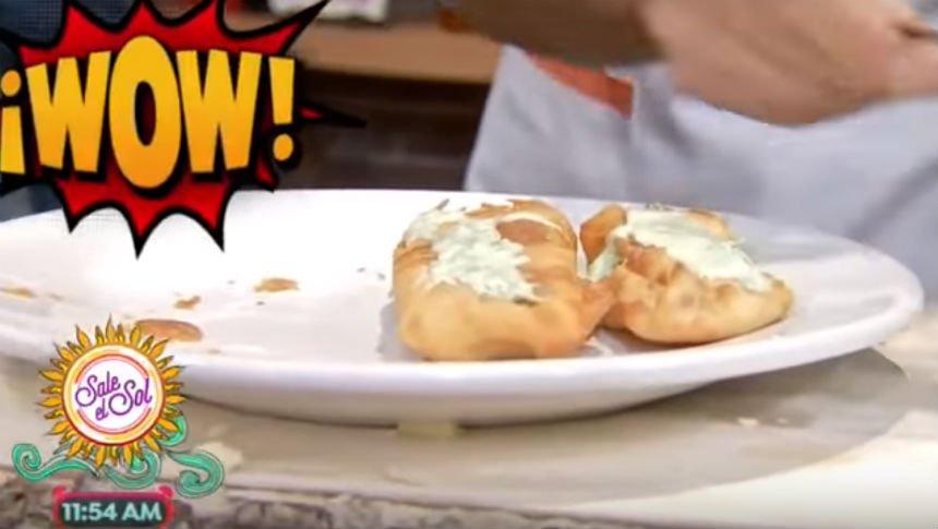 ¡Prepara este rico rollo de camarones con queso!