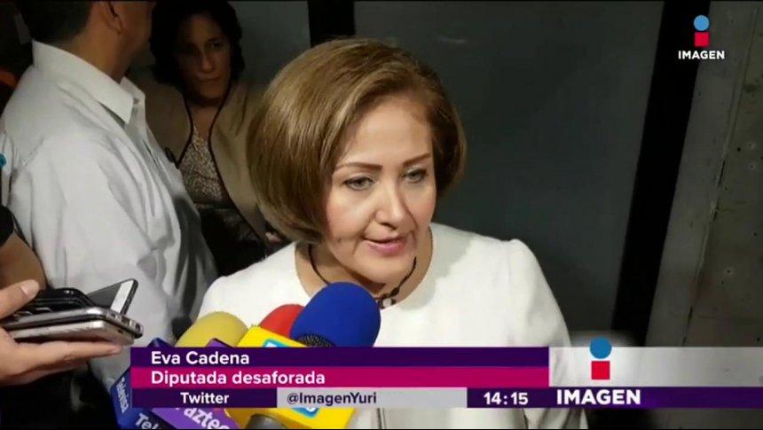 En fin, Eva Cadena ya no tiene fuero
