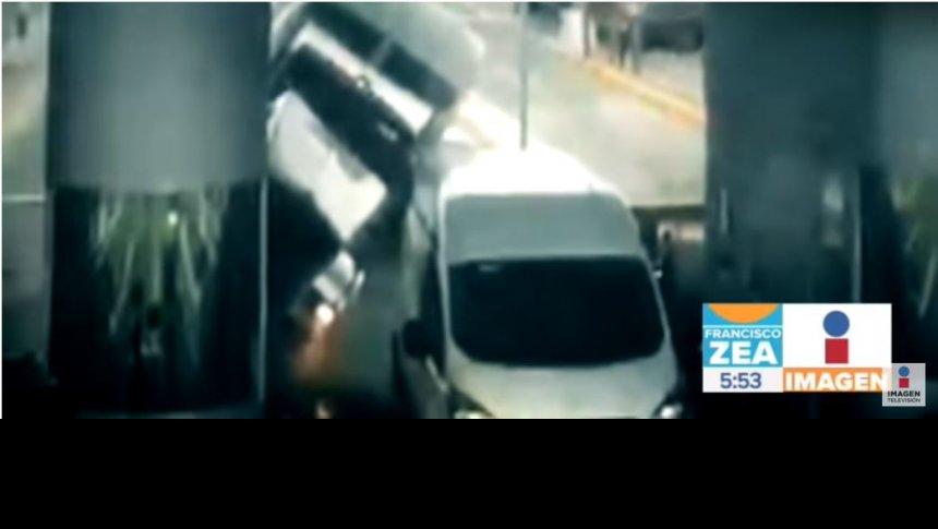 Tráiler se queda sin frenos en la autopista México-Puebla