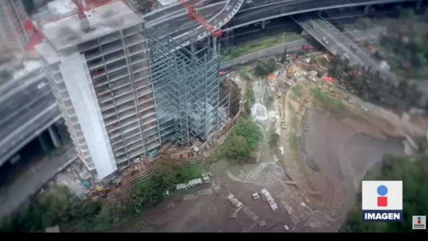 ¿Hay riesgo que colapse la construcción en Periférico 3042?