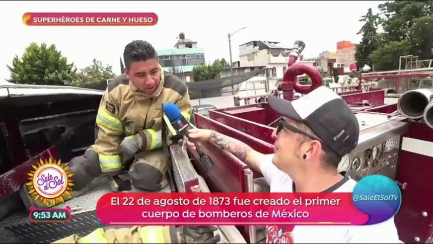 ¡Sajid pasó el día con un grupo de bomberos!