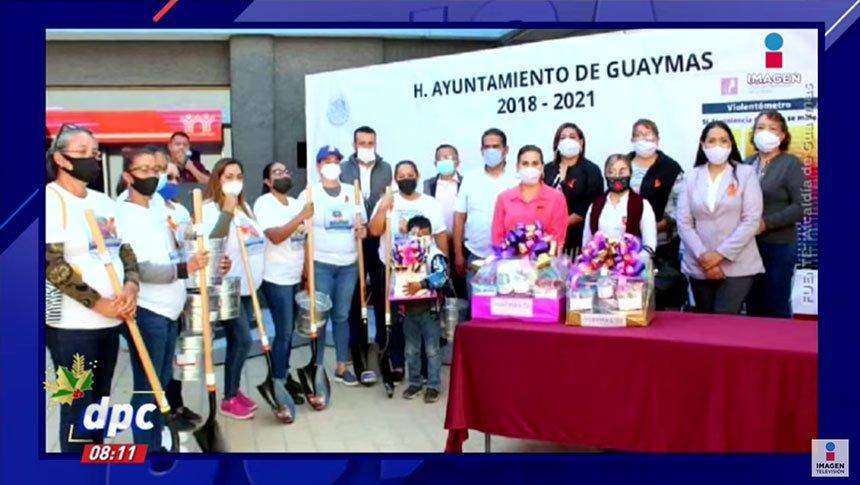 Regalan palas y cubetas a madres de desaparecidos en Guaymas