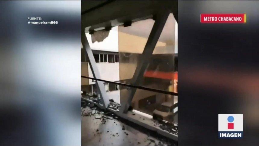 Feministas destrozan la estación Chabacano del Metro de CDMX